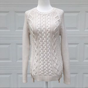 ⭐️ Michael Kors Cable Knit Sweater ⭐️